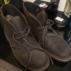 Clarks Chukka Leather Boots for men size 9